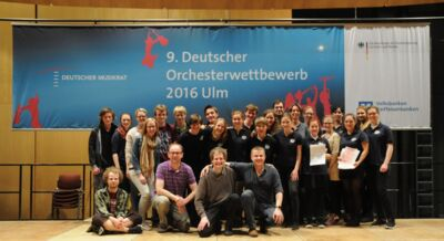 Joint group picture of the handbell chois Gotha and Wiedensahl at the 9th German Orchestra Competition 2016 in Ulm